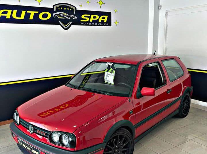 VOLKSWAGEN Golf GTI 2.0